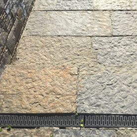 Regular flagstone paving with varios shades