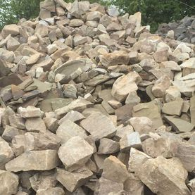 Cream sandstone random rubble in bulk